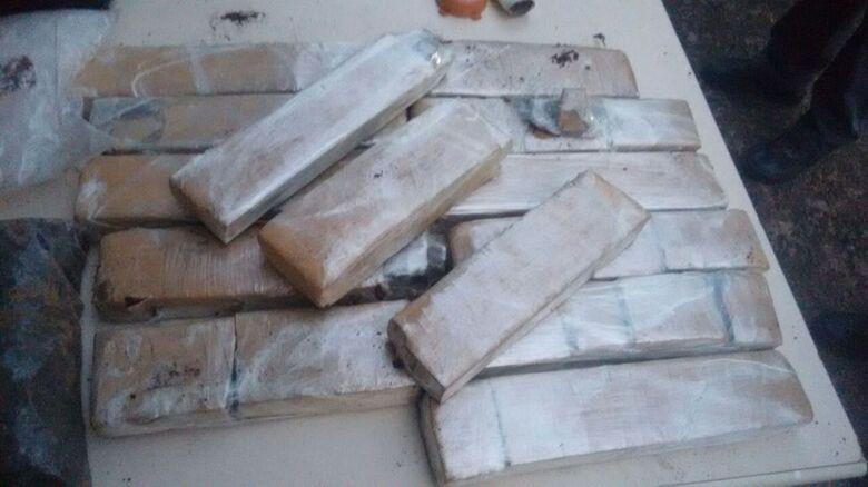 Operação da PM termina com a apreensão de 14 quilos de maconha em Ibaté -