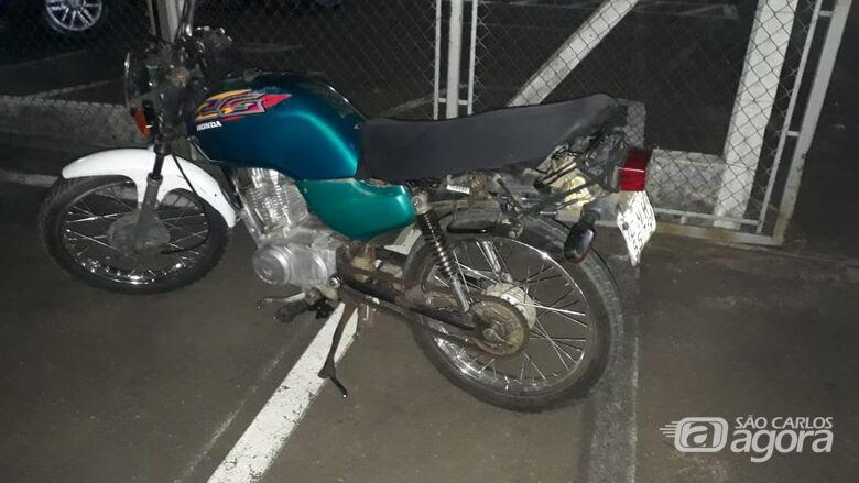 Moto furtada é abandonada no São Carlos 8 - Crédito: Arquivo/SCA