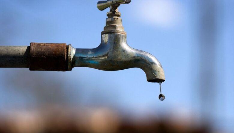 Problema em registro deixa Santa Felícia sem água -
