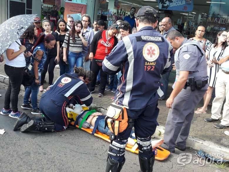Motociclista que atropelou idosa na avenida São Carlos se apresenta à polícia - Crédito: Maycon Maximino