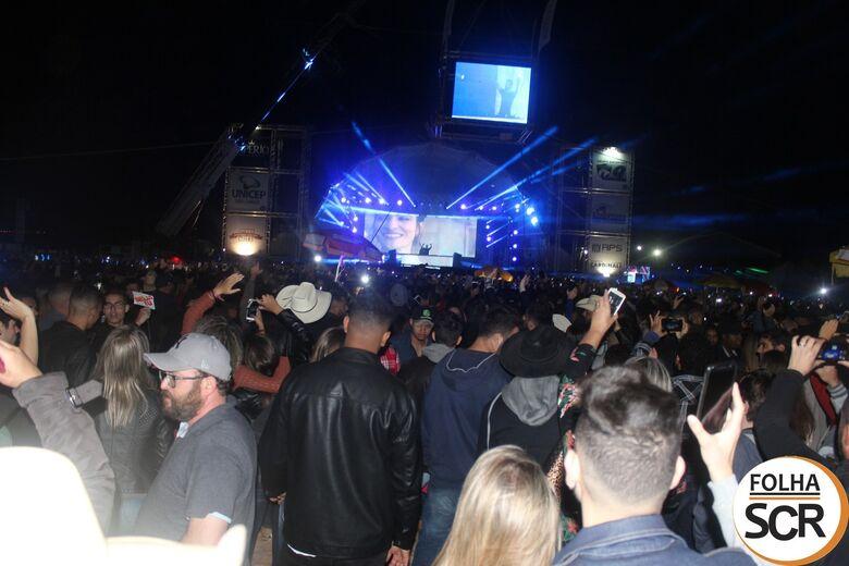 DJ Alok comanda o show na abertura do Rodeio de Ibaté - Crédito: Abner Amiel/Folha São Carlos e Região