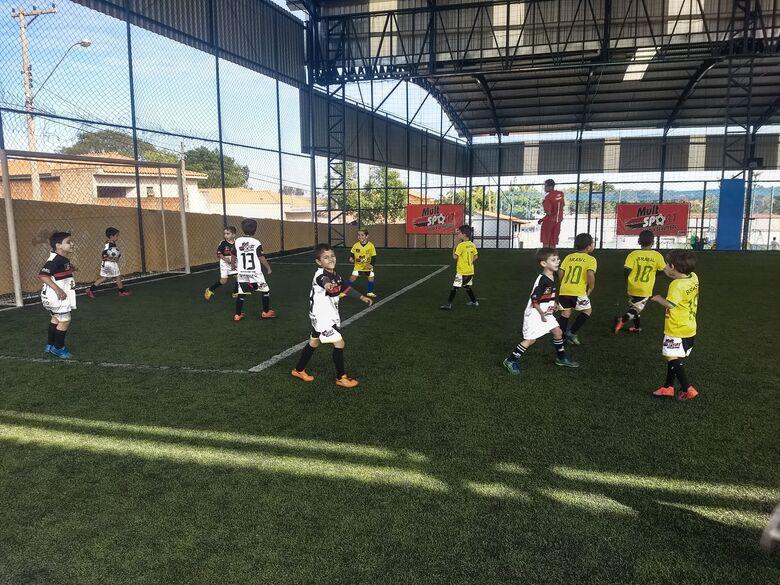Jogos emocionantes marcam o início do interno de futebol da Mult Sport - Crédito: Divulgação