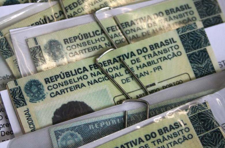 Para ter a carteira de volta, inadimplentes devem regularizar débitos - Crédito: Agência Brasil