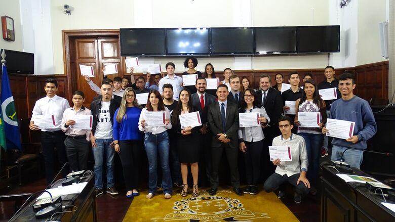 Parlamento Jovem São-carlense 2017: Câmara Municipal iniciará edição 2018 nesta segunda-feira - Crédito: Divulgação