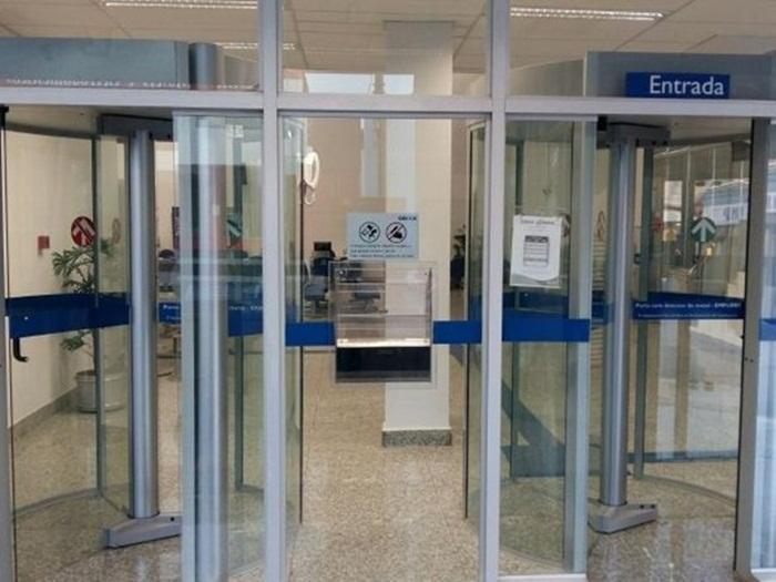 Agências bancárias têm hoje horário especial -