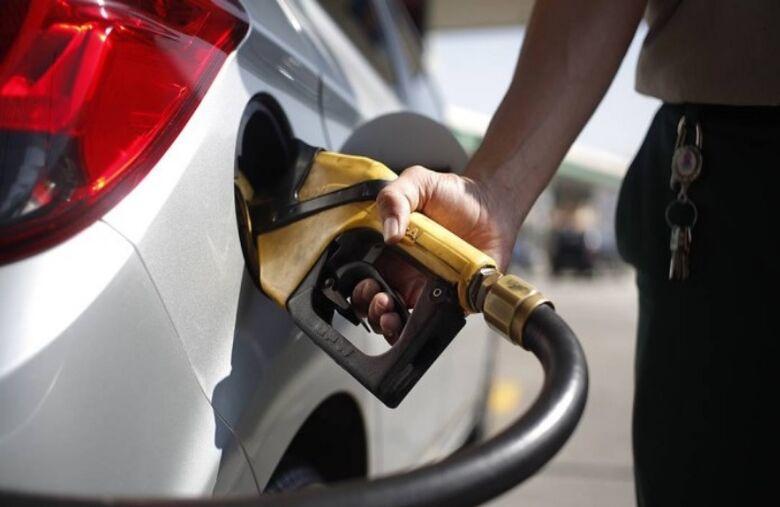 Petrobras reduz em 0,45% o preço da gasolina na refinaria - Crédito: Agência Brasil