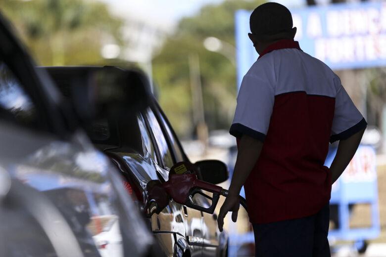 ANP fará consulta pública sobre reajustes de preços de combustíveis - Crédito: Agência Brasil