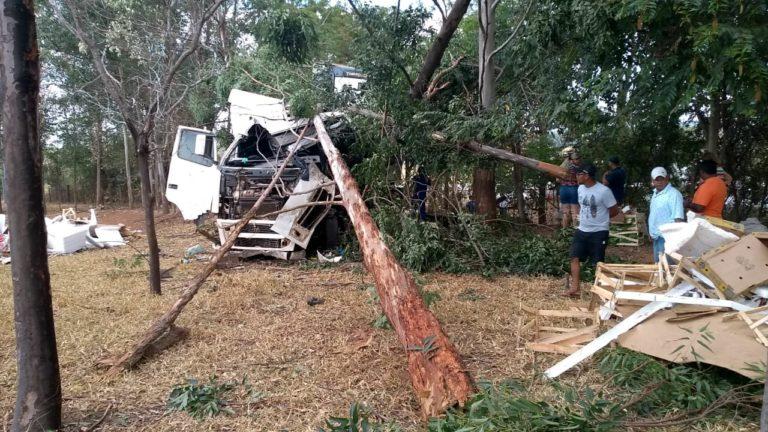 Cinco pessoas morrem em acidente na SP-379 -