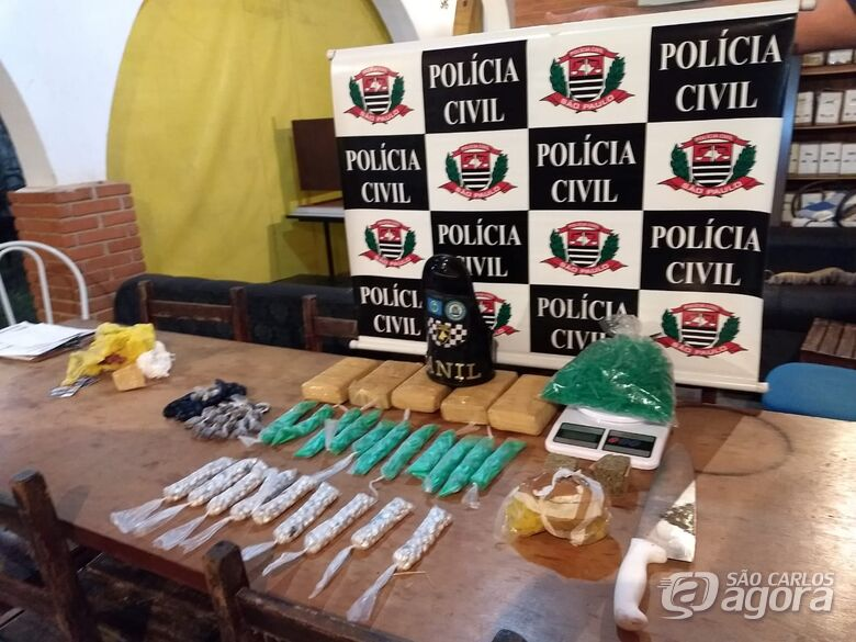 Canil da GM encontra grande quantidade de drogas em terreno na Vila Jacobucci - Crédito: Luciano Lopes