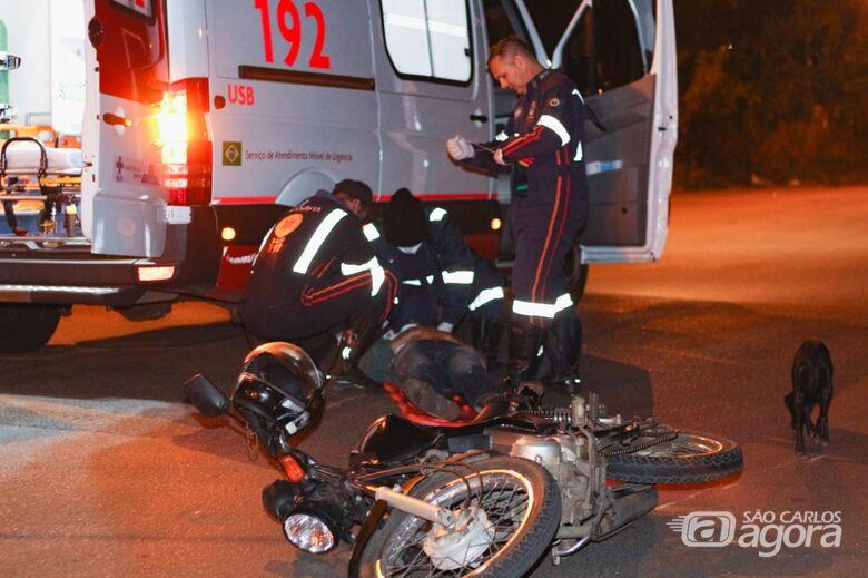 Motociclista fica ferido após sofrer queda no São Carlos 8 - Crédito: Marco Lúcio