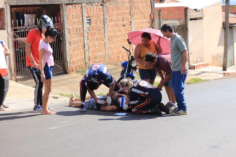 Jovem fica ferido após queda de moto no Aracy II - Crédito: Marco Lúcio