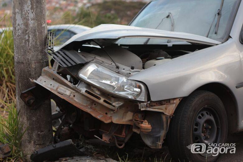 Mãe e três crianças ficam feridas após colisão na Serra do Aracy - Crédito: Marco Lúcio