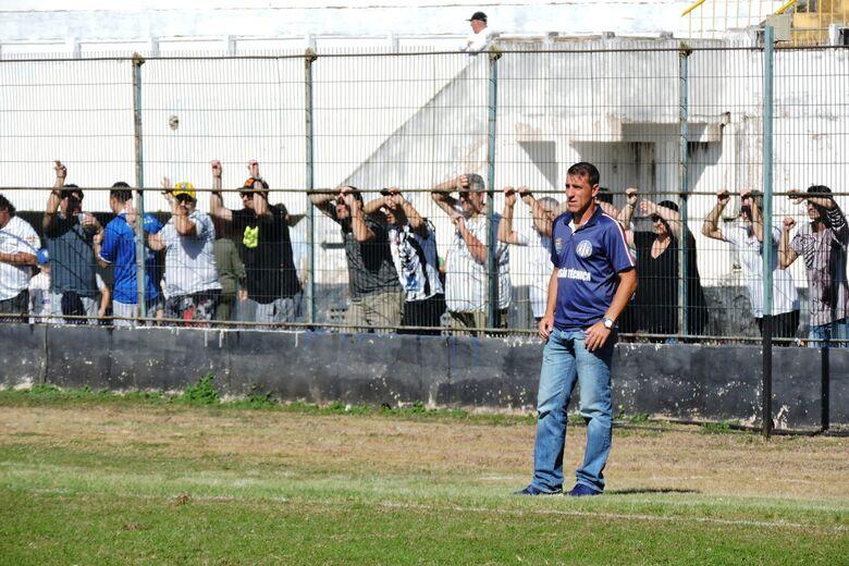 Para o treinador, empate gremista em Ribeirão Preto contemplou empenho dos atletas - Crédito: Gustavo Curvelo/Divulgação