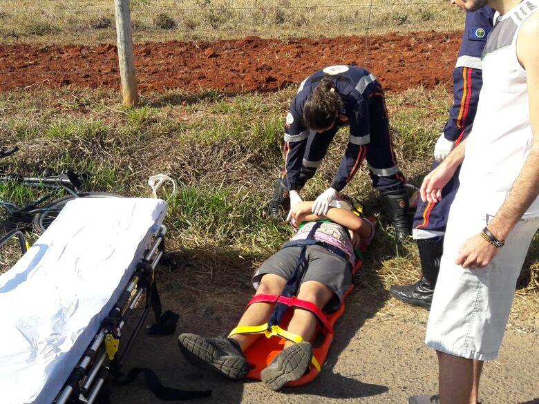 Lombada provoca queda de ciclista na Guilherme Scatena - Crédito: Maycon Maximino
