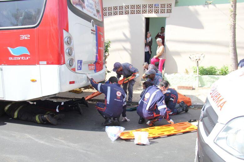 Médicos conseguem salvar braço de homem atropelado por ônibus - Crédito: Maycon Maximino