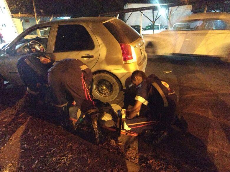 Colisão entre carro e caminhonete deixa jovem ferido na Vila Prado - Crédito: Luciano Lopes