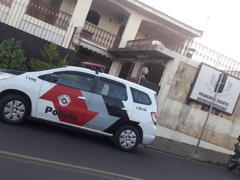 Aposentado é assaltado ao retornar de bar na Vila São José -