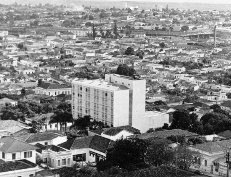 O Grande Hotel que se tornou Paço Municipal - Crédito: Arquivo Histórico