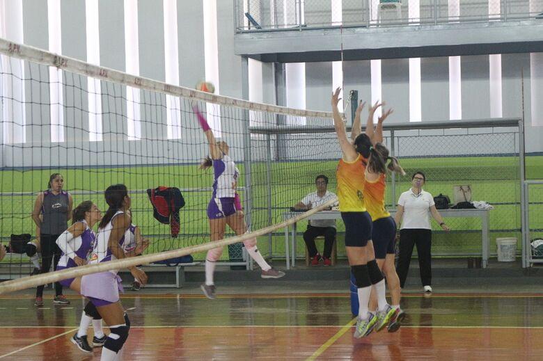Voleibol Clube vence Garra/Seniram em jogo bem disputado - Crédito: Marcos Escrivani