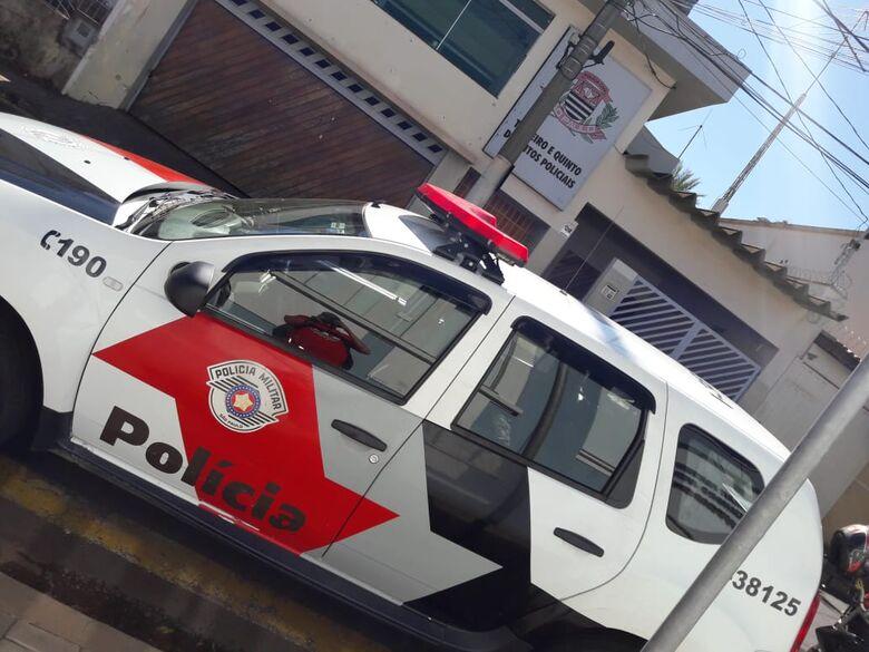 Dupla armada com facas e encapuzada rouba residência e são presos em suas casas - Crédito: Maycon Maximino