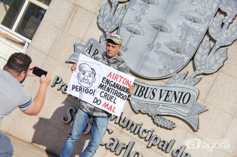 """Para Guerreiro, Prefeitura é """"aterro sanitário"""" - Crédito: Maycon Maximino"""
