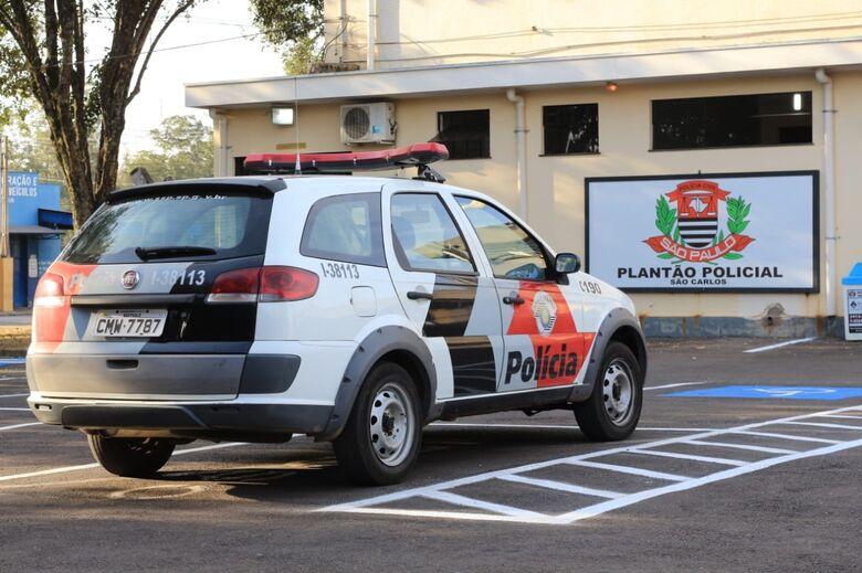 Acusado de dirigir embriagado, motorista provoca colisão no centro - Crédito: Marco Lúcio