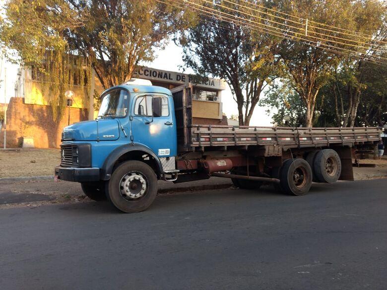 Área nas margens da rodovia WL era depósito de caminhões e carretas furtadas e roubadas - Crédito: Luciano Lopes
