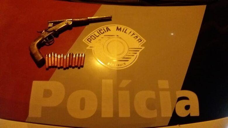 Após ameaçar mulher de morte, tratorista é preso com garrucha - Crédito: Maycon Maximino