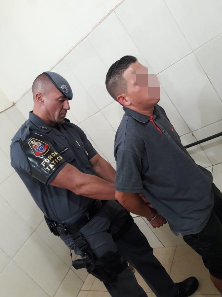 Dupla rende vítima e rouba casa no Santa Felícia - Crédito: Maycon Maximino