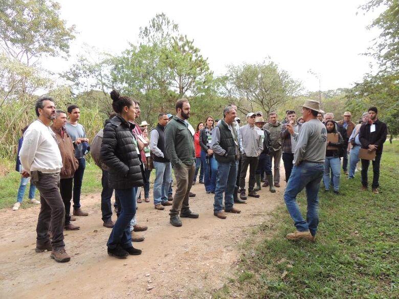 Produtores e técnicos participam de curso de produção orgânica de leite em São Carlos - Crédito: Ana Maio