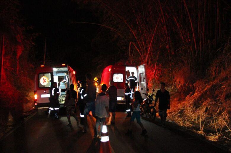 Dois ficam feridos em acidente em estrada municipal - Crédito: Maycon Maximino