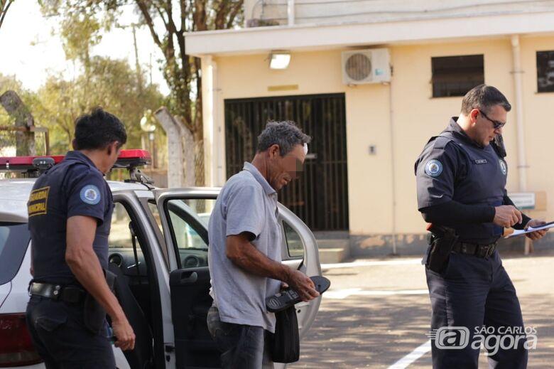 Briga entre moradores de rua deixa um ferido - Crédito: Marco Lúcio