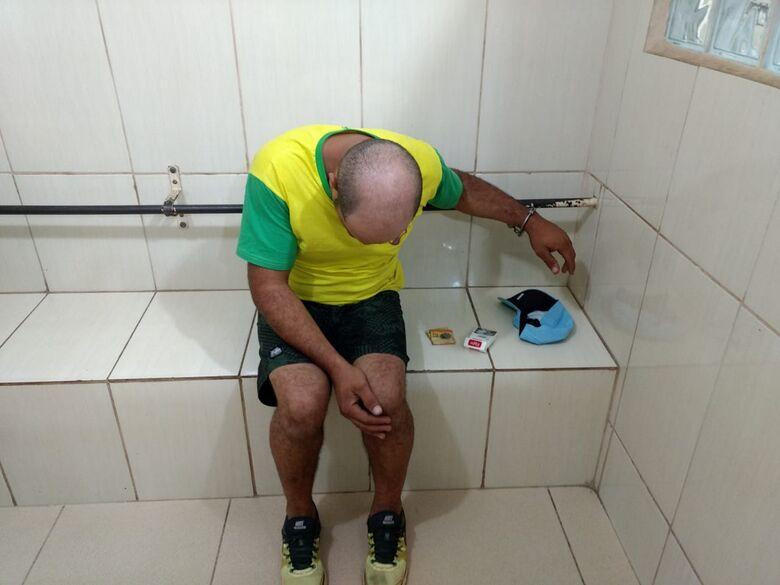 Policiais da Rocam flagram homem em moto furtada - Crédito: Divulgação