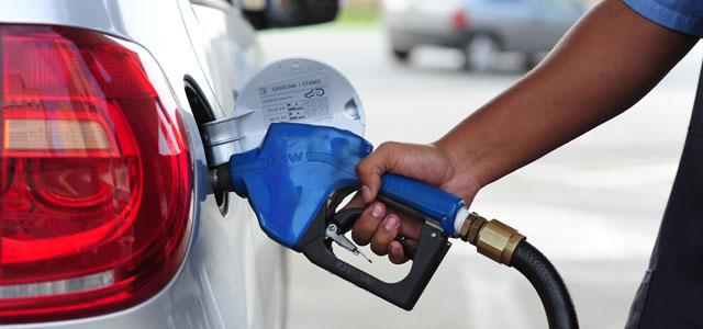 Petrobras elevará preço da gasolina nas refinarias a maior nível desde maio - Crédito: Agência Brasil