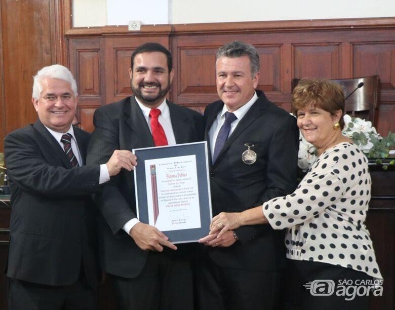 Rick Bertogna e Lindomar José Borges com os vereadores Julio Cesar, Marquinho Amaral e Laíde Simões - Crédito: Divulgação
