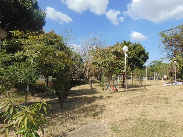 Parquinho, campo de futebol e no perímetro do córrego localizado no Parque Delta passam por manutenção - Crédito: Divulgação
