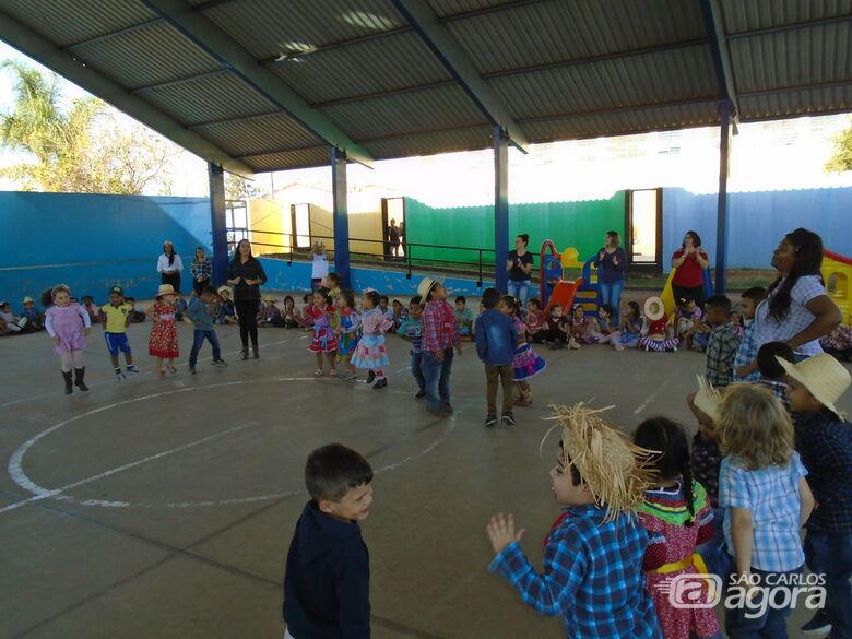 Escolas municipais de Ibaté realizam Festas Julinas - Crédito: Divulgação