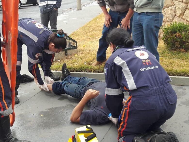Motociclista sofre queda na região do Senai - Crédito: Maycon Maximino