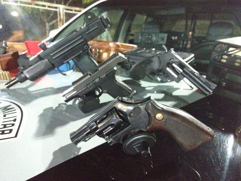 Força Tática encontra armas e munições em residência no Samambaia - Crédito: Luciano Lopes