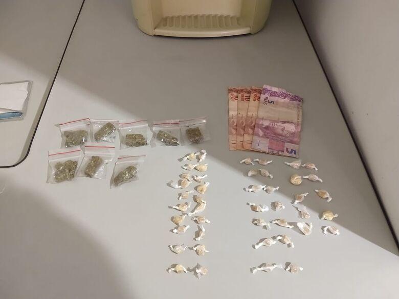 Policiais da Rocam flagram desocupado com drogas no Gonzaga - Crédito: Maycon Maximino