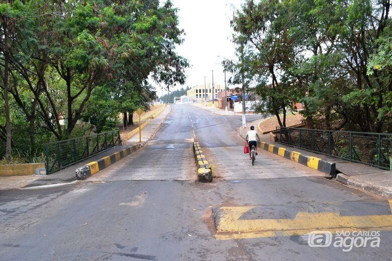 Ponte que faz ligações de bairros em Ibaté é reformada - Crédito: Divulgação