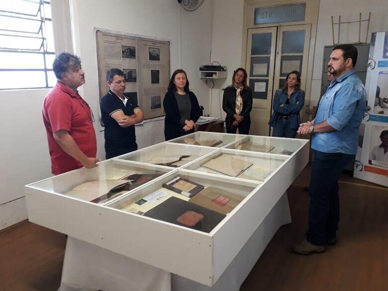 Malabim visita exposição na Fundação Pró-Memória - Crédito: Divulgação