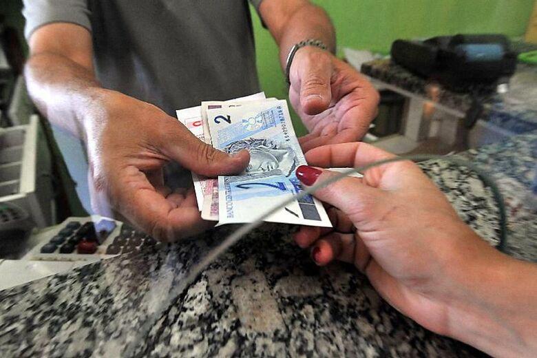 Trabalhadores já podem sacar abono do PIS/Pasep de 2017 - Crédito: Marcello Casal Jr./Agência Brasil/Agência Brasil