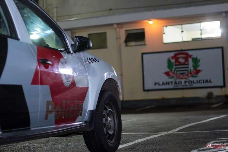 Garçom vai até o plantão e diz que seu carro foi clonado - Crédito: Arquivo/SCA