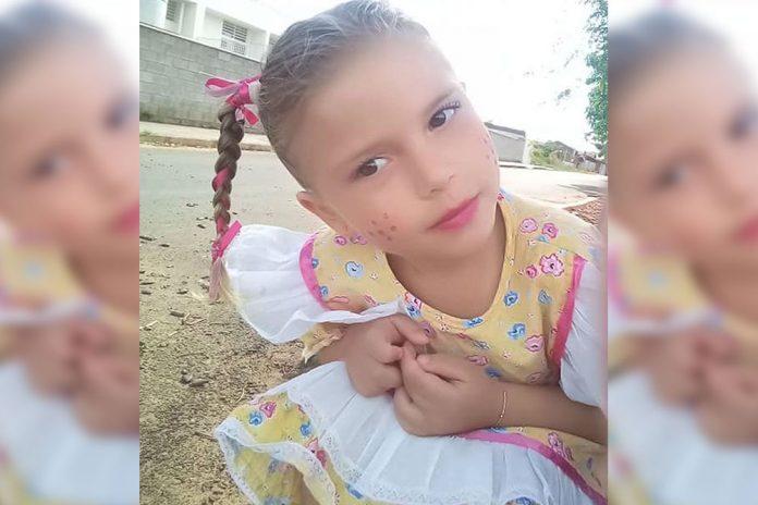 Menina de 4 anos morre após ser picada por escorpião -