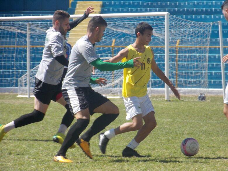São Carlos empata jogo-treino diante da Francana - Crédito: Rovanir Frias/SCFC