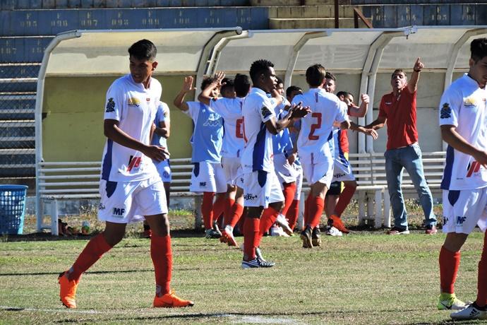Lobão esteve na frente em duas ocasiões; resultado deixa a equipe na quarta colocação - Crédito: Gustavo Curvelo/Divulgação
