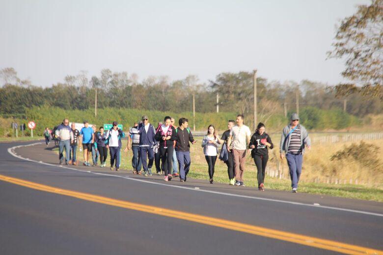 Determinação move a fé de peregrinos até à Aparecidinha da Babilônia - Crédito: Maycon Maximino