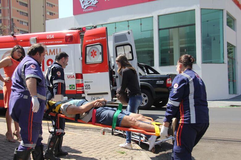 Motorista 'vara' pare e causa acidente no centro - Crédito: Maycon Maximino