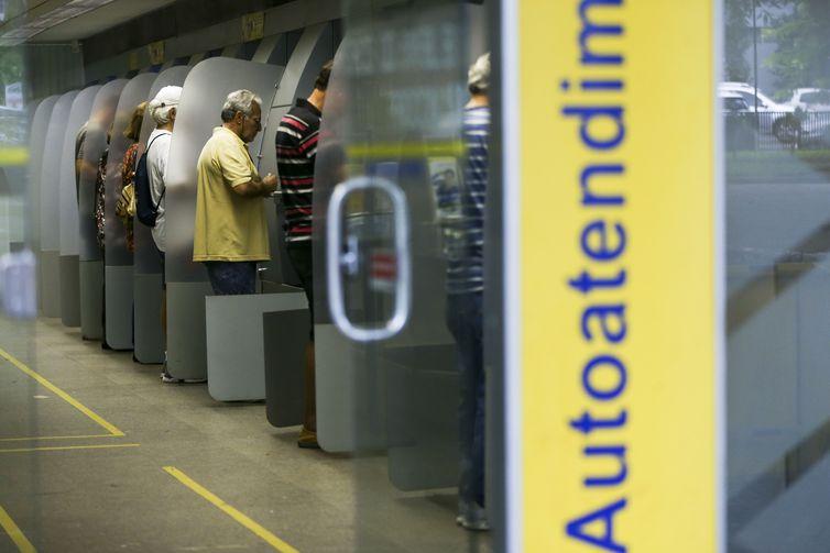 Nascidos em agosto já podem sacar abono salarial do PIS/Pasep - Crédito: Marcelo Camargo/Agência Brasil